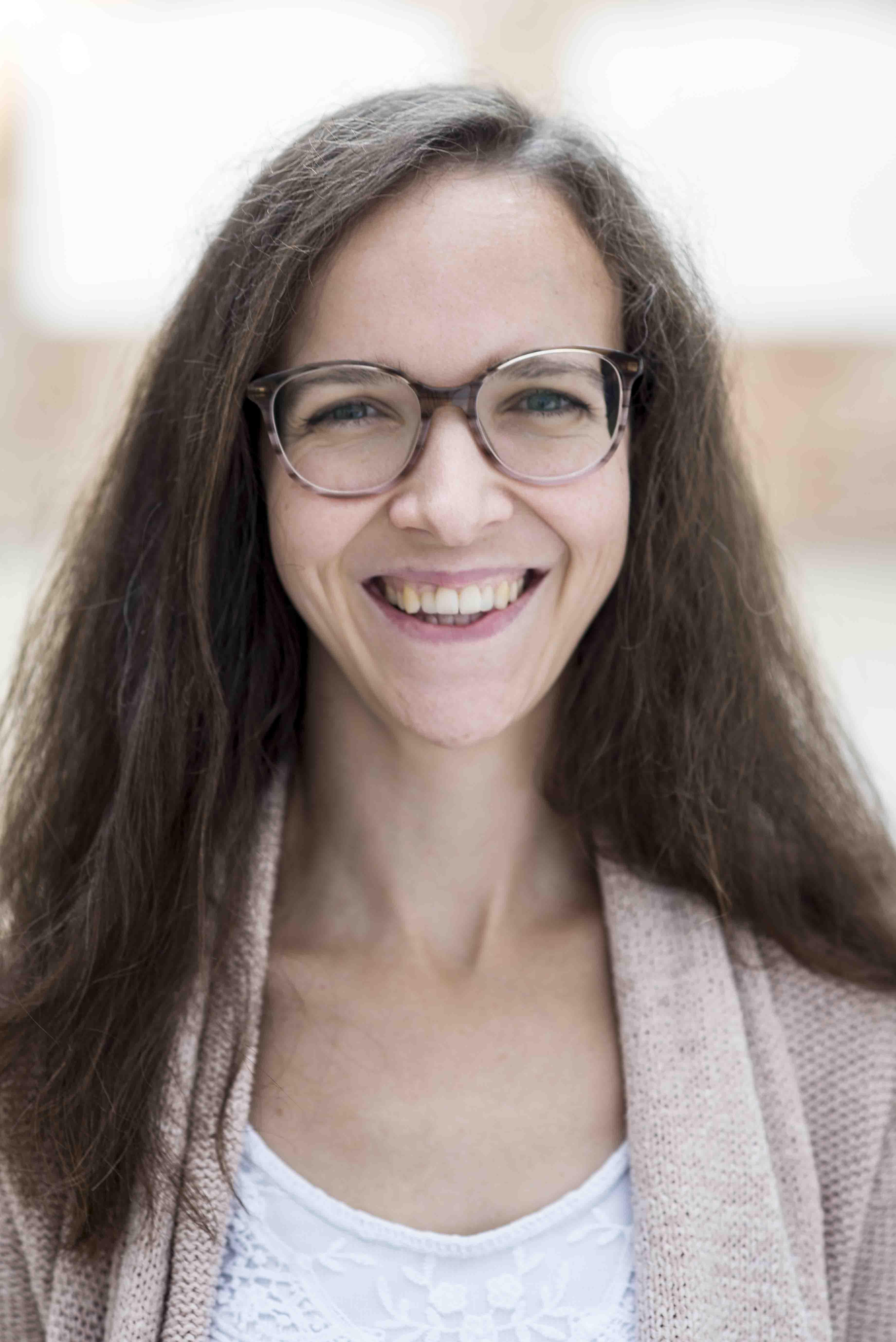 Dr. Ariane Leinenweber
